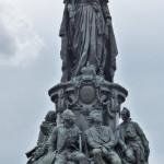 die Katharina mit ihren Höflingen